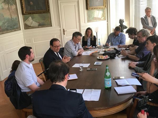 Hollande table